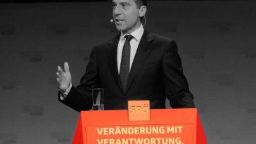 SPÖ-Dokumente und Christian Kern - Foto Claudio Schiesl