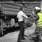 Bundeskanzler Christian Kern besucht Bauerarbeiter am Ballhausplatz - Mauerbau BKA Screenshot
