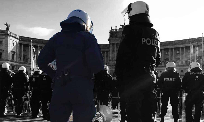 SPÖ kritisiert Polizeieinsatz bei der ÖVP-FPÖ Angelobung - Foto LPD Wien