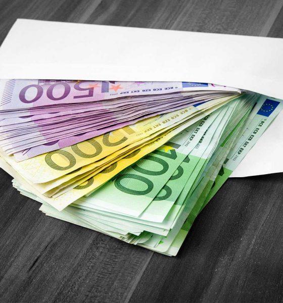Geldkuvert - Adobe stock